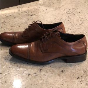Johnston & Murphy men's dress shoe